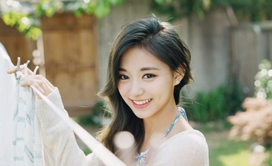 Tzuyu Hopes To Continue With TWICE For More Than 10 Years