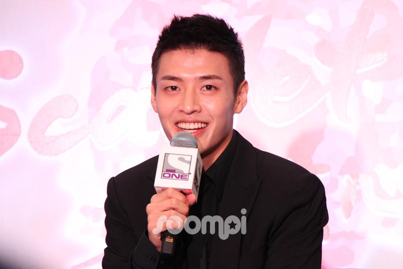 Kang Ha Neul SG 2016 0826_190