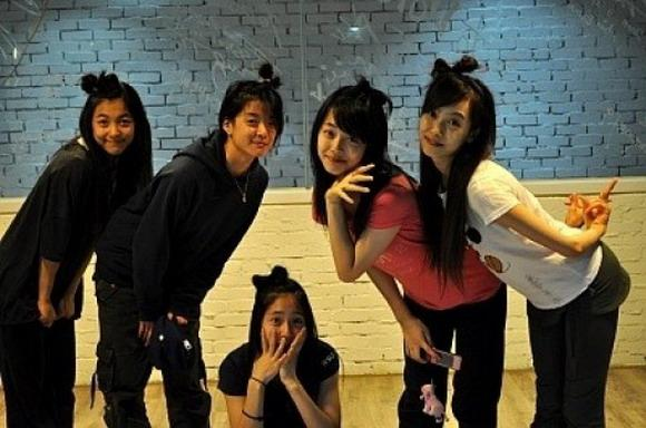 Happy 7th Anniversary To f(x): A Look Back At K-Pop's Most ... F(x) Amber Pre Debut