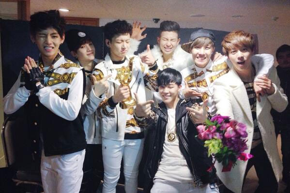 Top 15 Catchiest K-Pop Group Greetings