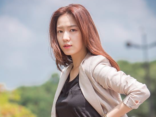 Ryu Hwayoung Lands Her First Leading Role