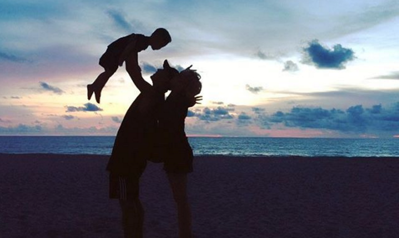 Haha And Byul Reveal Stunning Family Photo On Vacation With Their Son