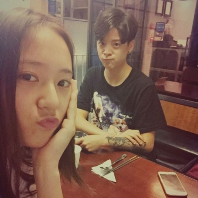 f(x)'s Amber And Krystal Show How Much They Miss Fellow f(x) Members