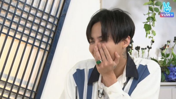 Fortune Teller Looks Into G-Dragon's Future Love Life And Wealth