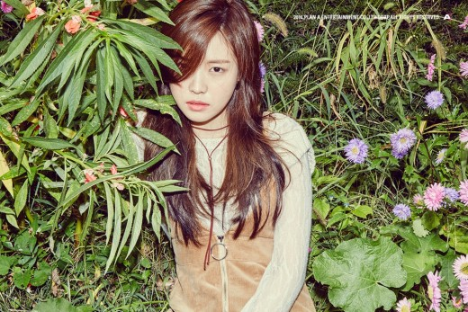 Apink's Son Naeun Is Dreamy And Vibrant In Comeback Teasers