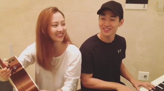 Watch: Super Junior-M's Henry Shares Video Of Jam Session With SISTAR's Dasom
