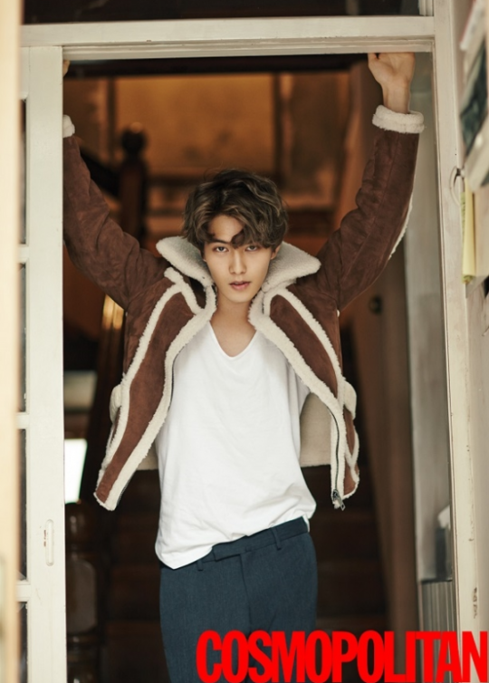cnblues-lee-jong-hyun-cosmopolitan-october-2015-photos-park-min-hyeok-lofficiel-hommes-december-2-png