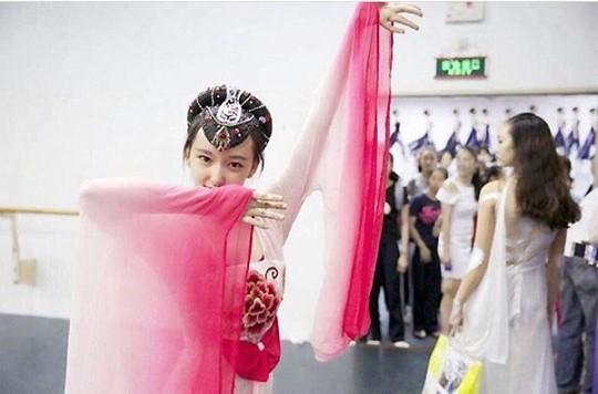 Cosmic Girls' Cheng Xiao Reveals Childhood Dance Photos