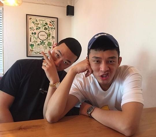 Yoo Ah In Finally Meets His Favorite Rapper BewhY