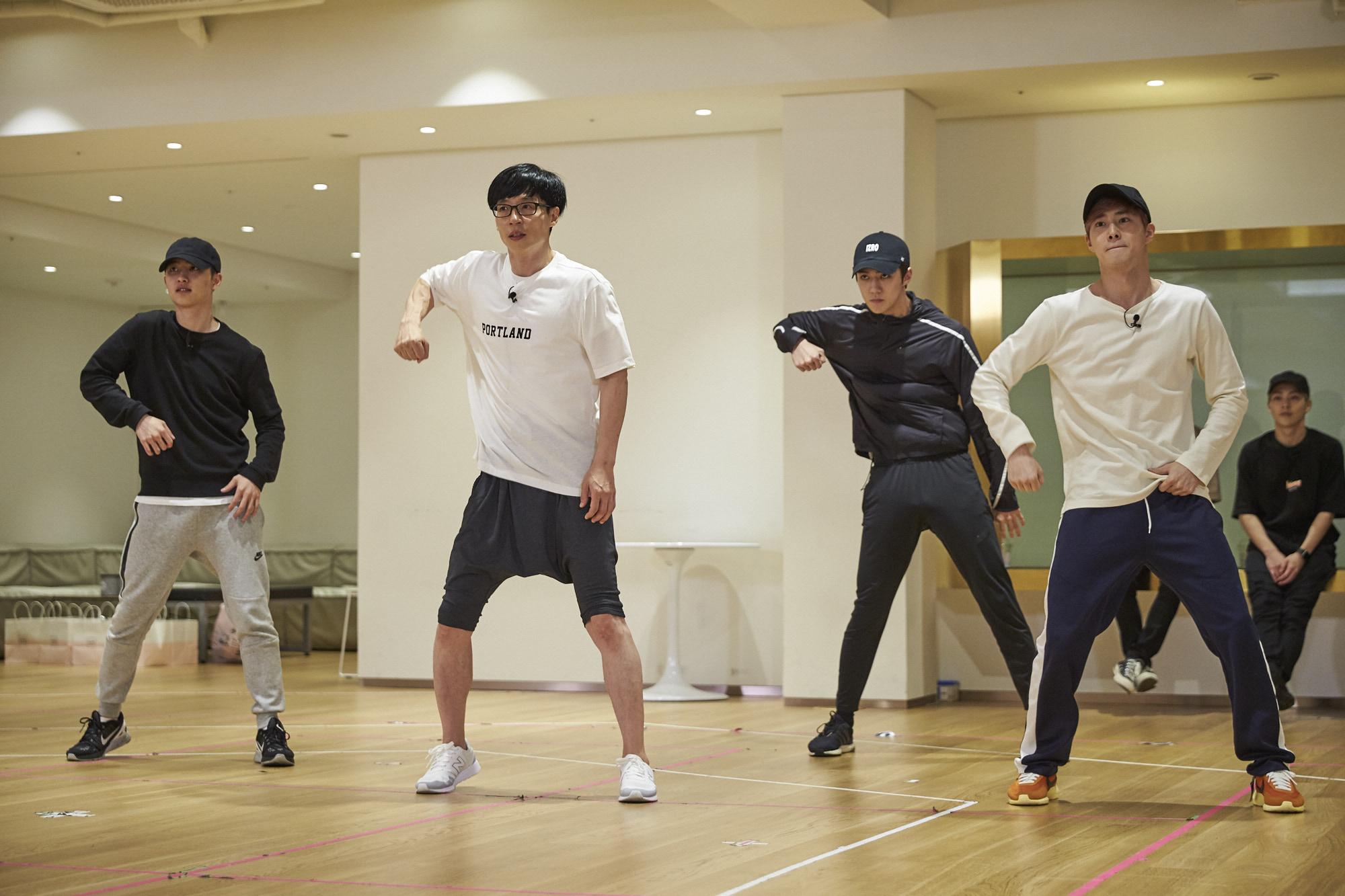 """EXO Can't Stop Praising Yoo Jae Suk While Practicing """"Dancing King"""""""