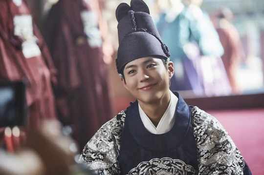 "Park Bo Gum Records OST For ""Moonlight Drawn By Clouds"""