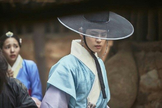 moonlight drawn by clouds park bo gum hanbok 6