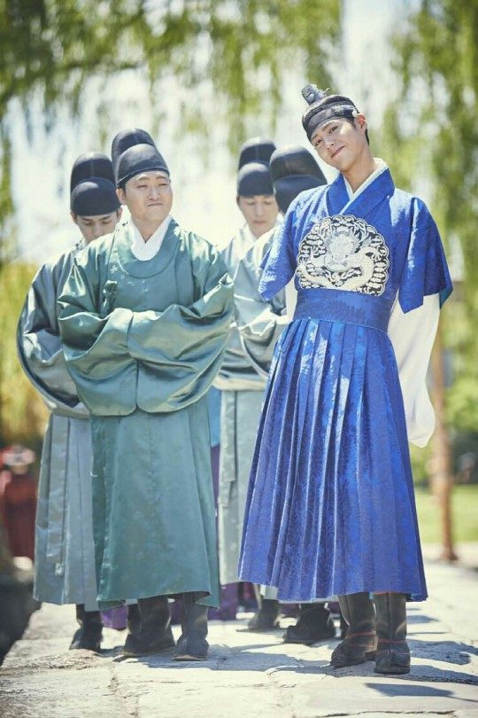 moonlight drawn by clouds park bo gum hanbok 5