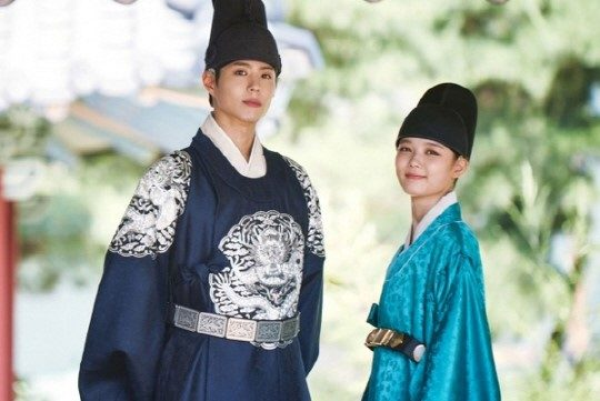 moonlight drawn by clouds park bo gum hanbok 4