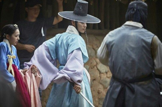 moonlight drawn by clouds park bo gum hanbok 3