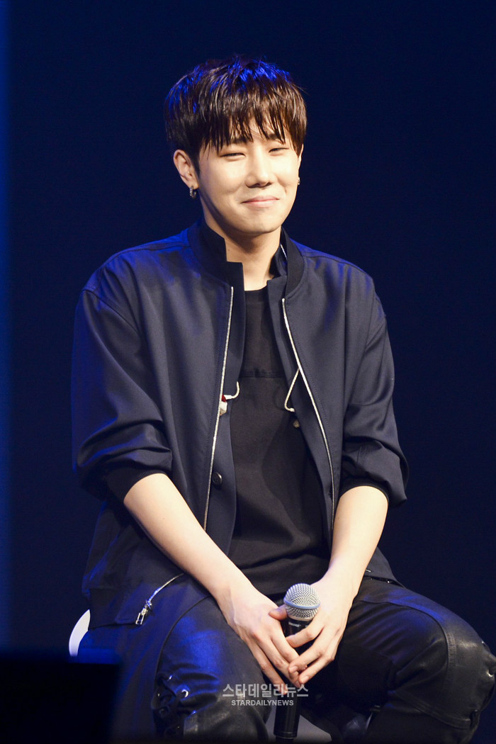 Sunggyu Explains Reports About His Bathroom Visit During INFINITE's Comeback Showcase