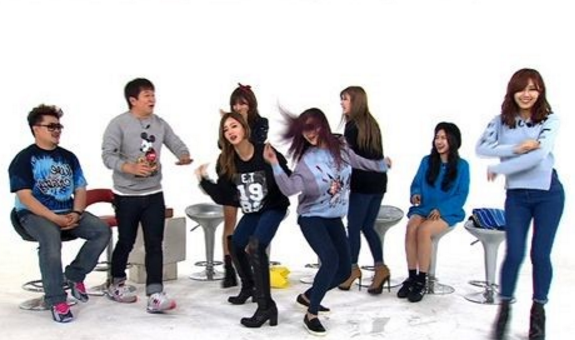 "Jung Hyung Don's First Guests For His Return On ""Weekly Idol"" To Be Apink"