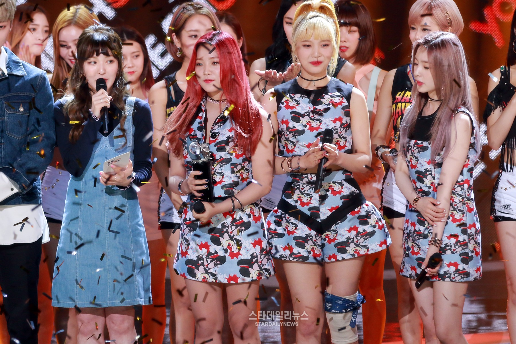 "Watch: Red Velvet Bags 2nd Win For ""Russian Roulette,"" Performances By DIA, Kim Joo Na, And More"