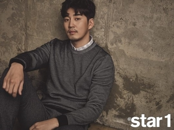 Yoon Kye Sang Names The Singer-Turned-Actors That Have Caught His Eye