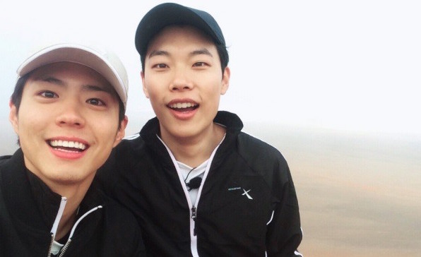 Ryu Jun Yeol Adorably Jokes About Park Bo Gum During Birthday Fan Meeting
