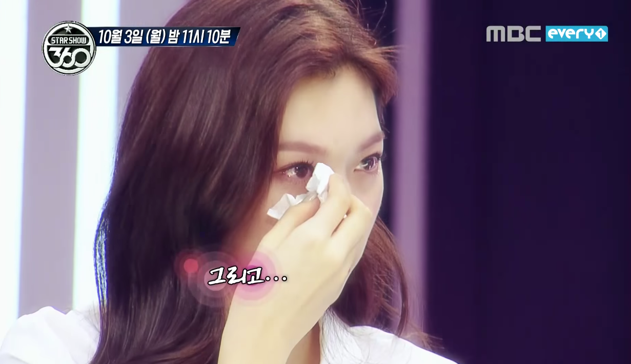 """Watch: I.O.I Is Brought To Tears In New """"Star Show 360"""" Preview"""