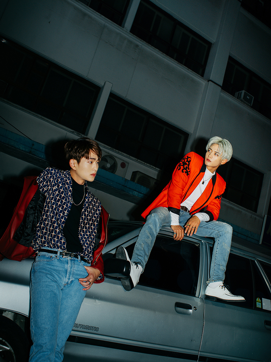 """SHINee Releases New Teaser Images, Jonghyun Introduces Self-Composed Track """"Prism"""""""