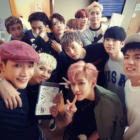 "2PM And GOT7 Show Their JYP Nation Love Backstage At ""M!Countdown"""