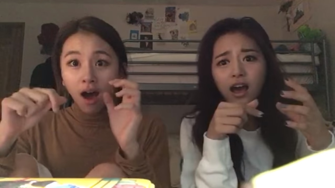 """Watch: TWICE's Chaeyoung And Tzuyu Catch The """"Pen Pineapple Apple Pen"""" Fever"""