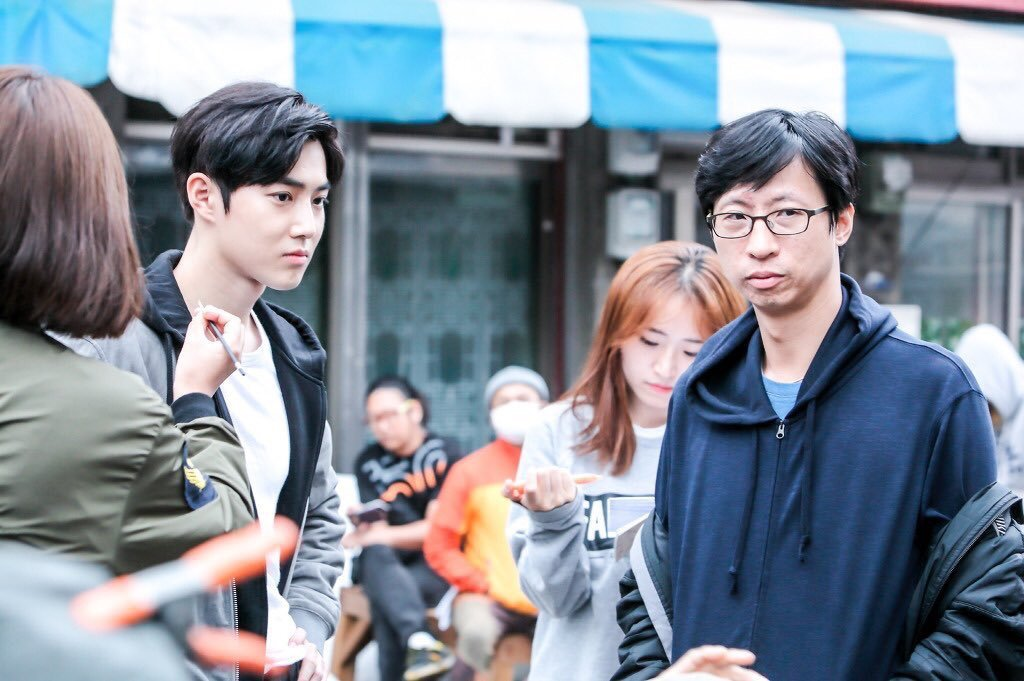 EXO's Suho (Kim Joon Myun) Looks Suave And Dapper While Filming New Drama