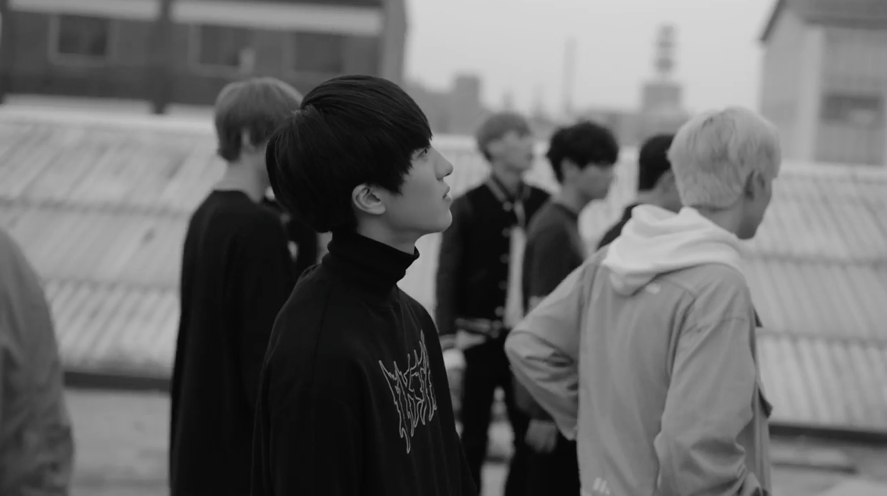 """Update: SF9 Teases For Debut With New Preview Of """"Fanfare"""" MV"""