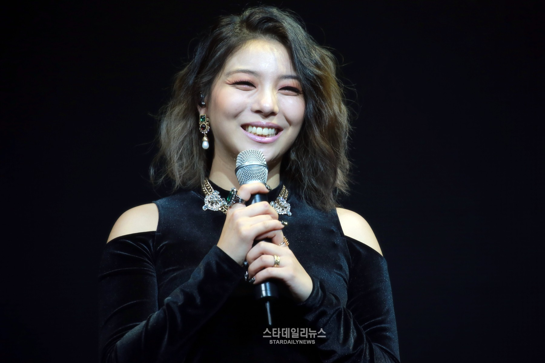 Ailee Reveals How She Got To Collaborate With Yoon Mirae