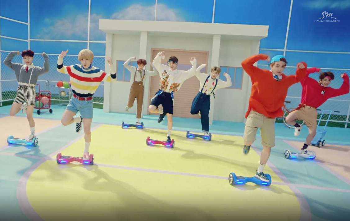 """NCT Dream Shows Off Impressive Hoverboarding Skills In """"Chewing Gum"""" Performance Video"""