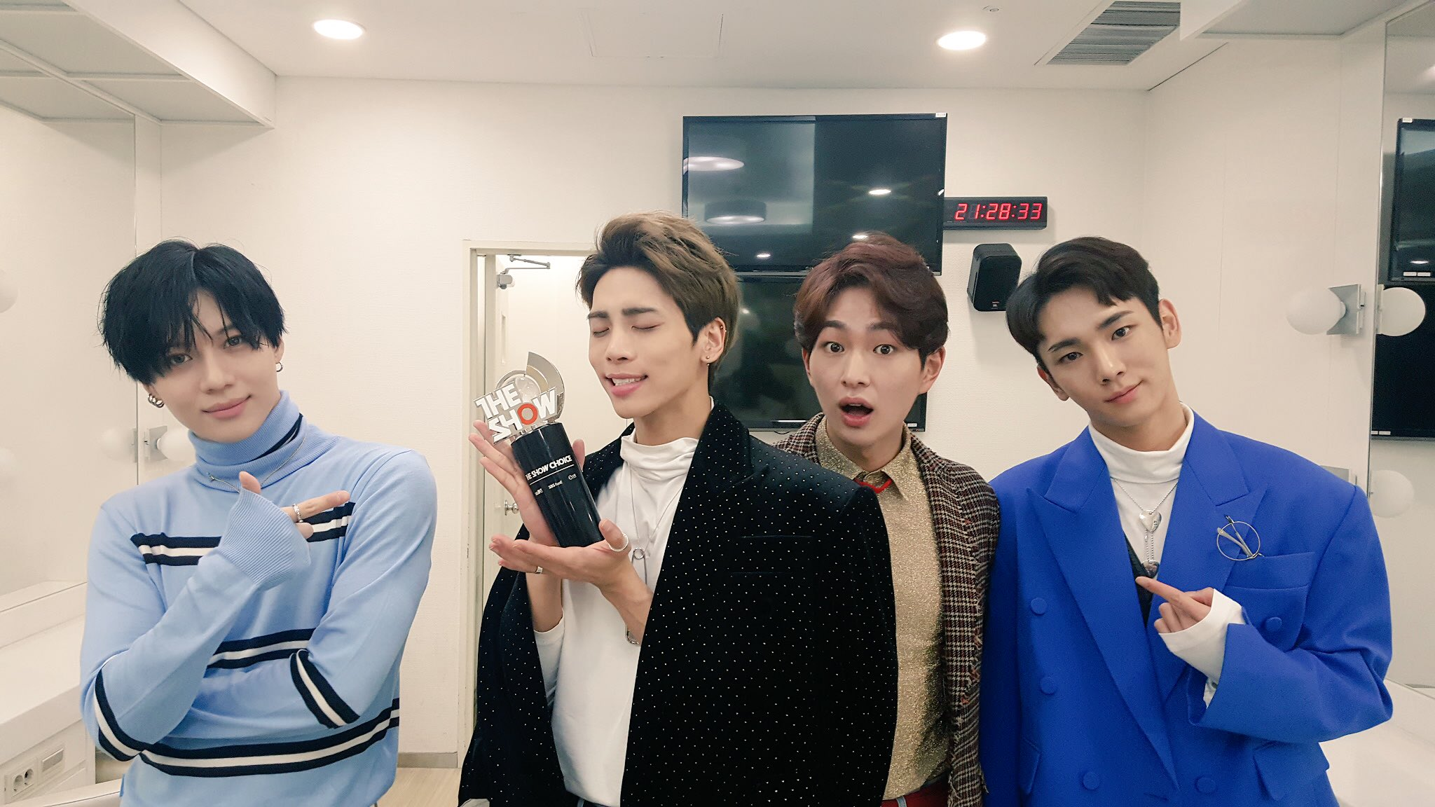 """Watch: SHINee Grabs 1st Win For """"1 Of 1"""" On """"The Show"""""""