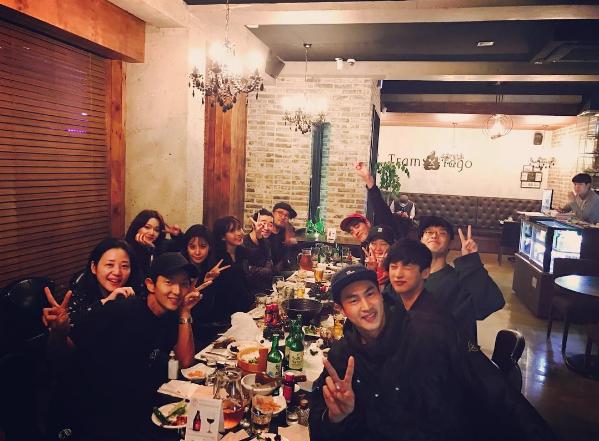 "Lee Joon Gi, IU, Kang Ha Neul, And More Reunite At ""Scarlet Heart: Goryeo"" Dinner Party"