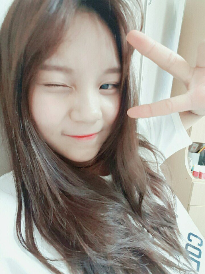 GFRIEND Member Umji Gives Update On Her Health After Halting Activities