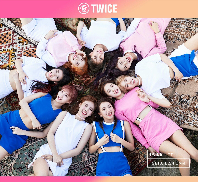twice group photo