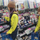 """Sandara Park Unleashes Her Inner """"Bobby"""" When She (Kinda) Sees iKON At Store"""