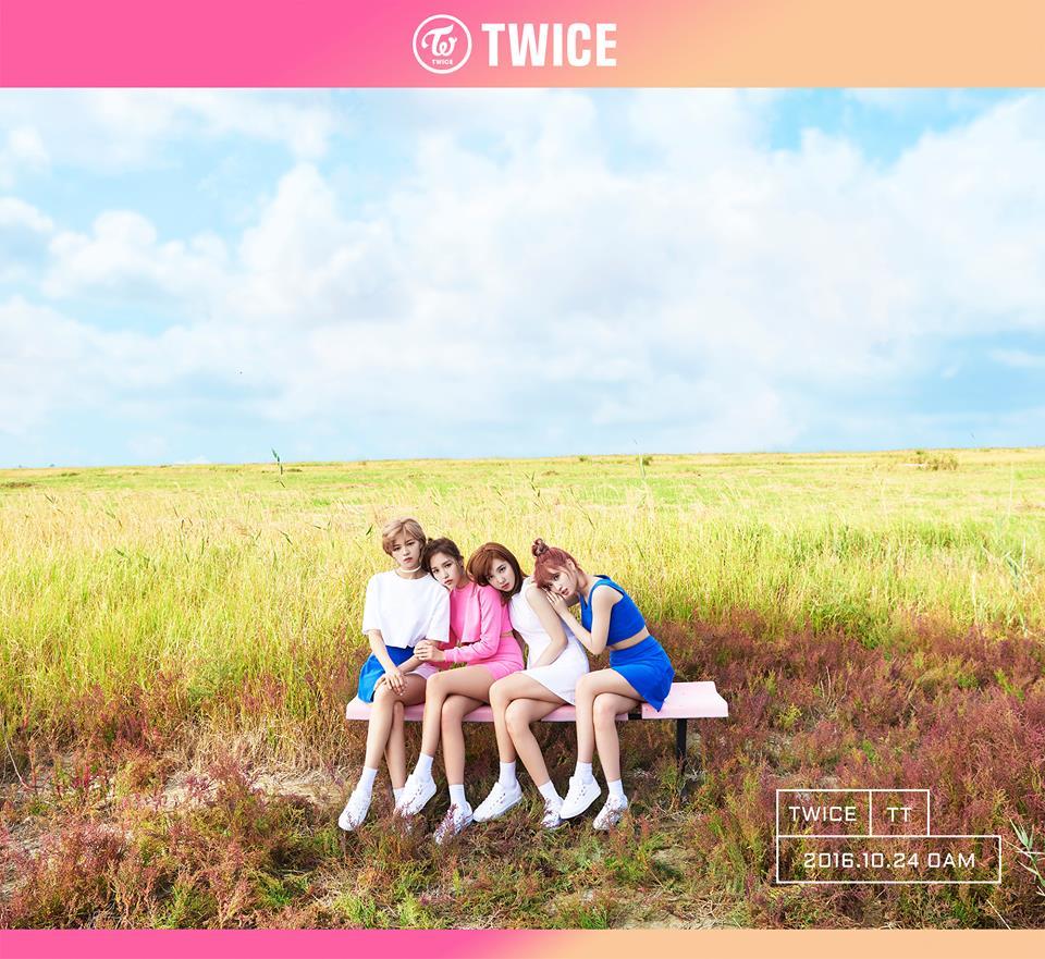 TWICE Jeongyeon Mina Nayeon Momo