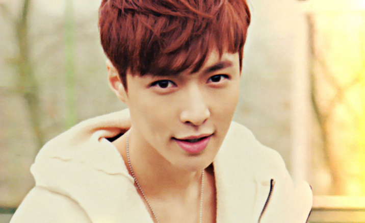 EXO's Lay Asks Fans To Not Blame SM Entertainment For Fainting Incident