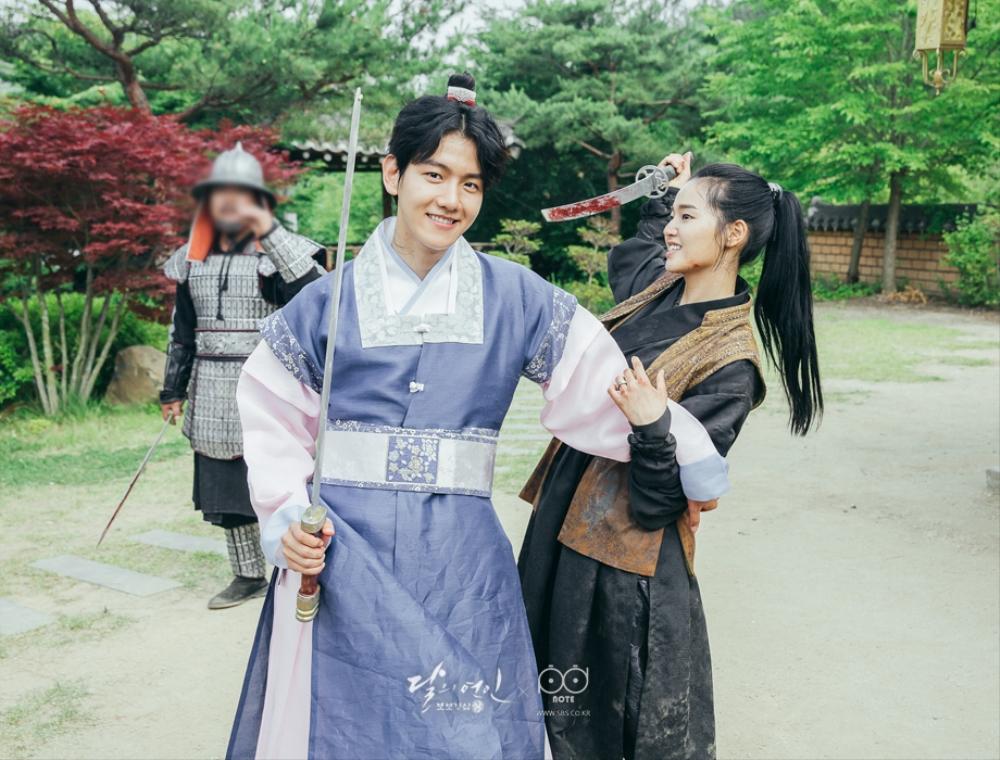 "Z.Hera Talks Baekhyun's Playful Personality On Set Of ""Scarlet Heart: Goryeo"""