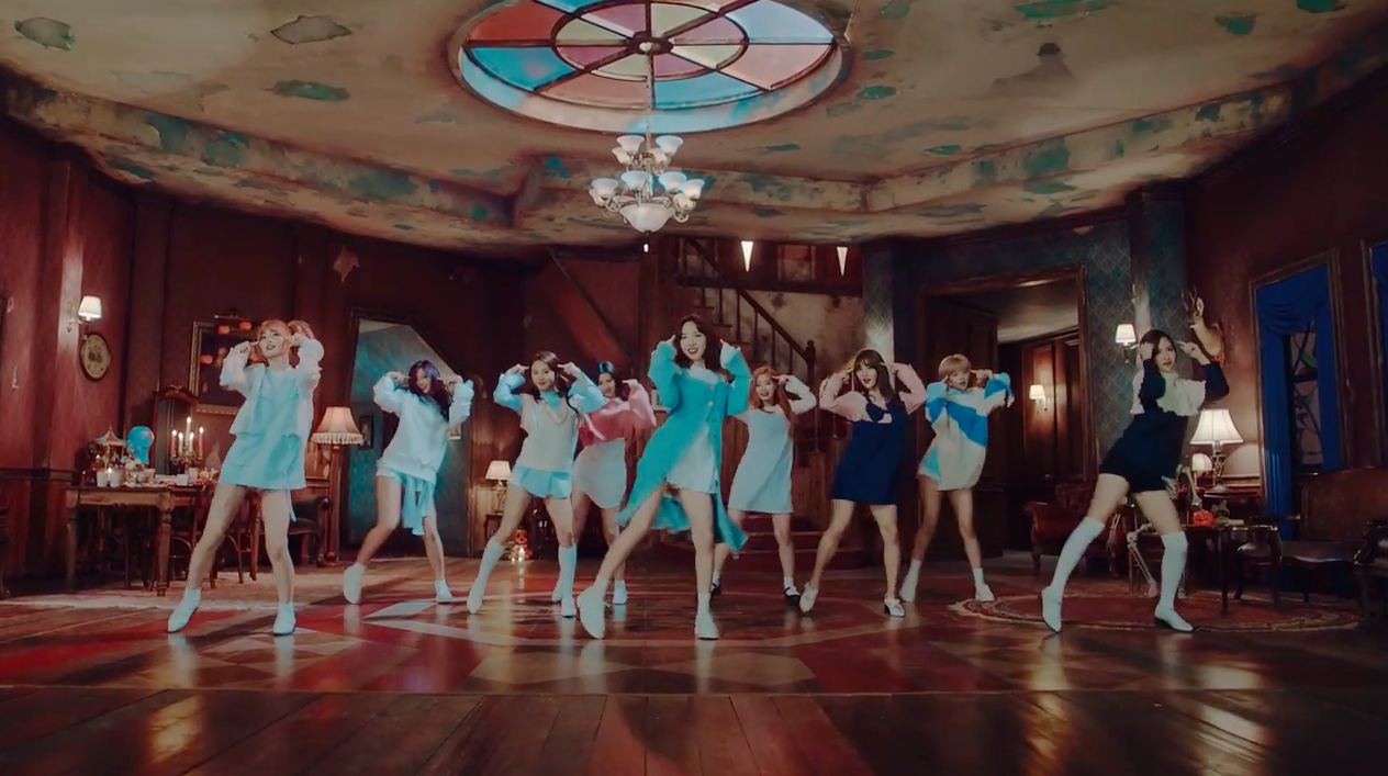 "TWICE Achieves All-Kill On Charts With New Track ""TT"""