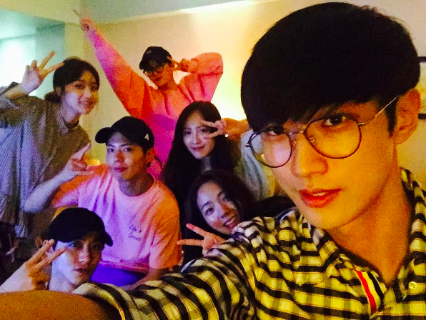 "B1A4's Jinyoung Posts Photo Of ""Moonlight Drawn By Clouds'"" Youth Squad On Vacation"