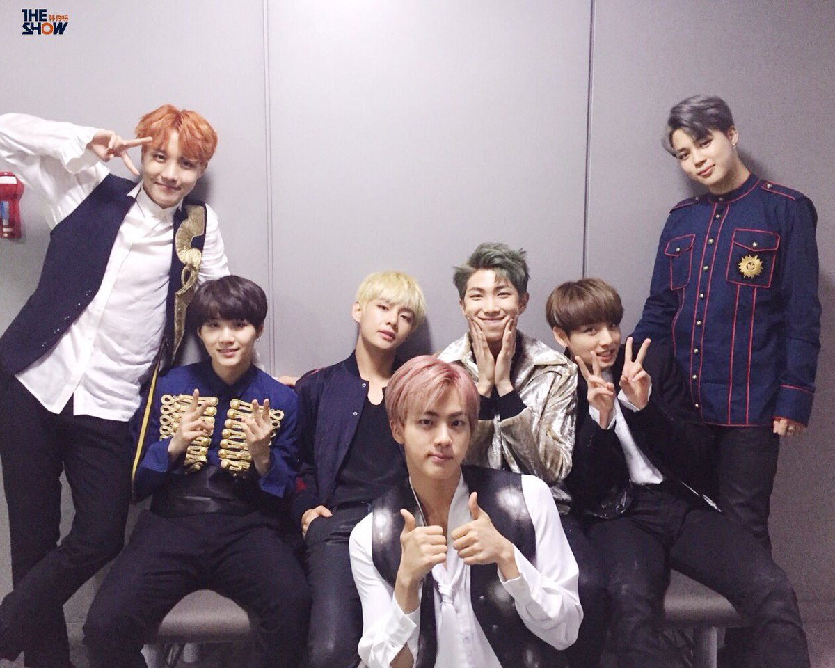 """BTS Takes 5th Win For """"Blood Sweat & Tears"""" On """"The Show"""""""
