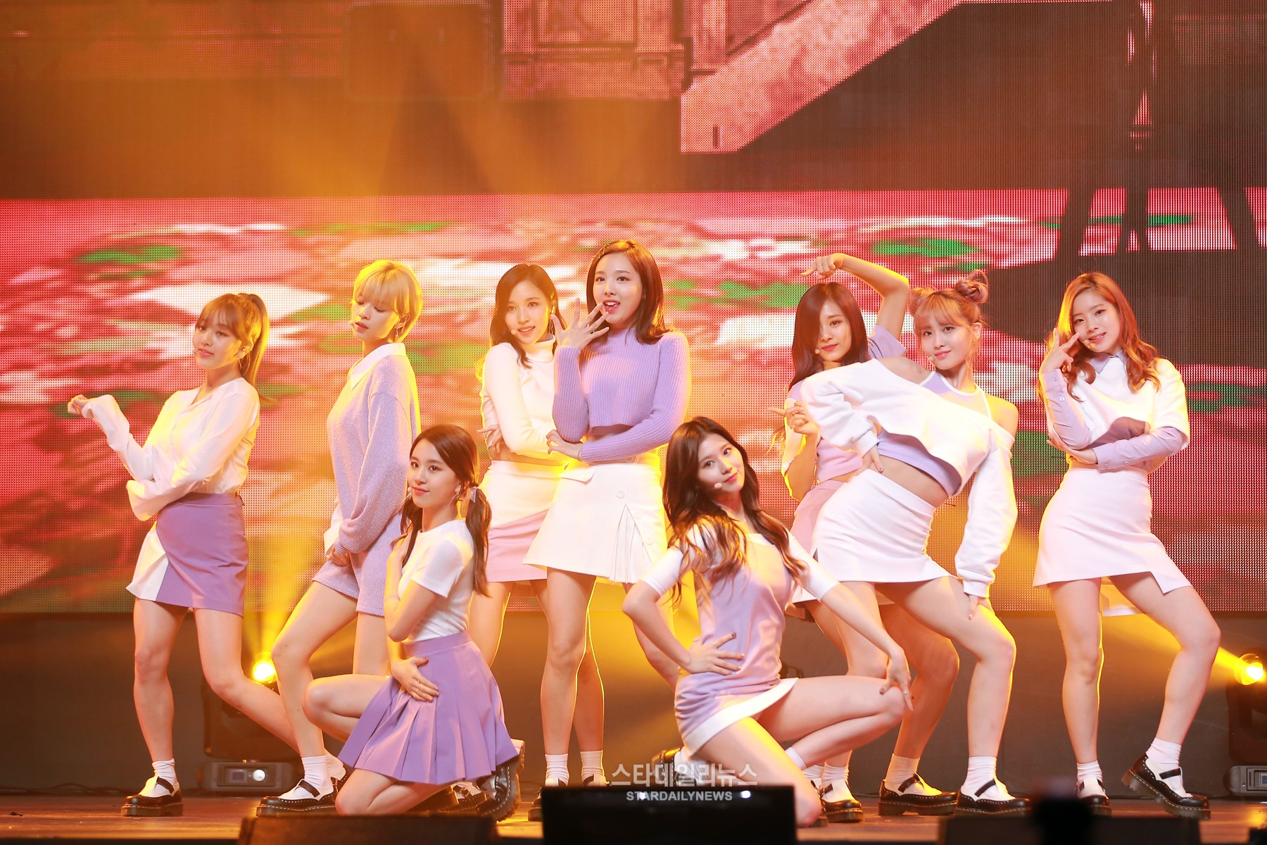 """TWICE Breaks Yet Another K-Pop YouTube Record With """"TT"""" Reaching 100 Million Views"""