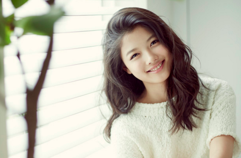 "Kim Yoo Jung Talks About Taking On Her First Lead Role In ""Moonlight Drawn By Clouds"""