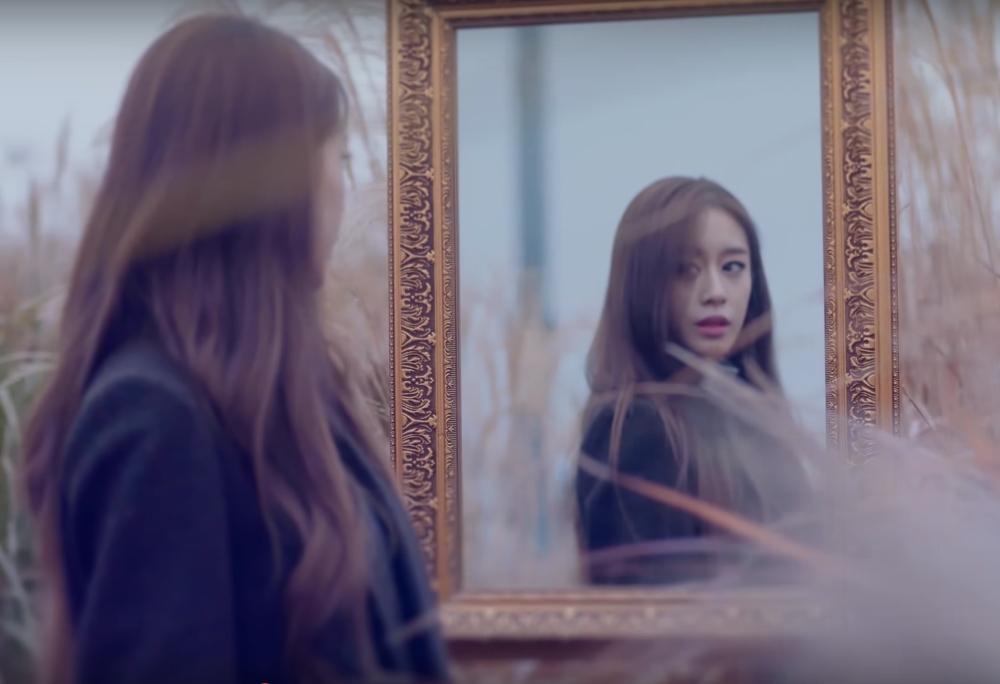 "Watch: Jiyeon Looks Hauntingly Beautiful In MV Teaser For T-ara's ""TIAMO"""