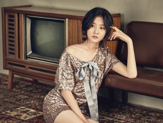Kim Sae Ron Signs New Contract With YG Entertainment