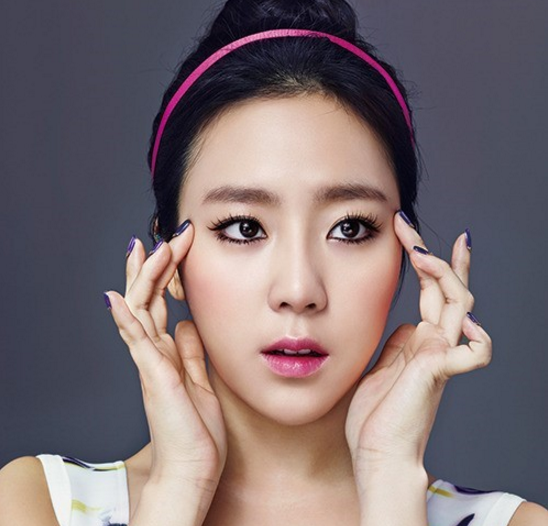 Former Jewelry Member Yewon Leaves Star Empire Entertainment
