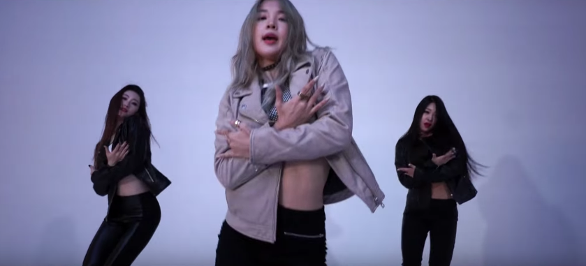 """Watch: Jiyoon (Jenyer) Is A Femme Fatale In New Concept MV For """"Magnet"""""""