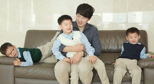 "Song Triplets Are Growing But Still Super Cute On ""The Return Of Superman"""